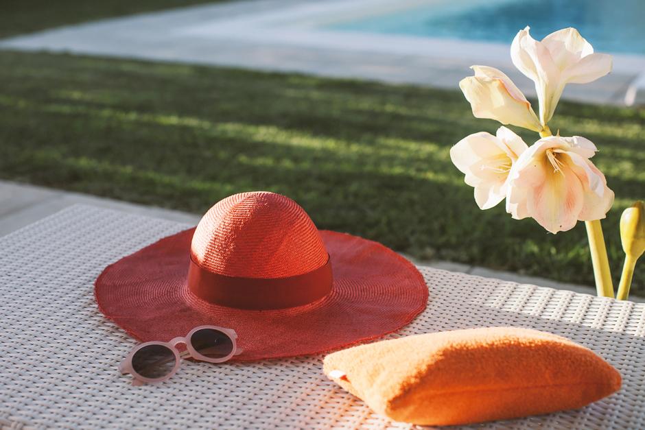 cappello rosso a falda larga Borsalino
