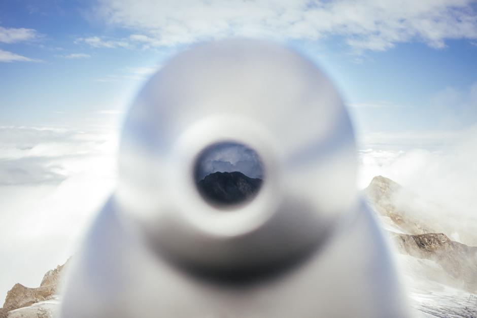 Veduta dal ghiacciaio, attraverso una lente