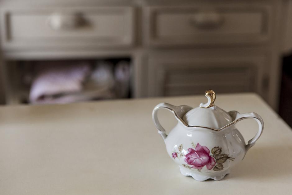 Eva e Giovanni, servito di porcellana,Ring and Smile,