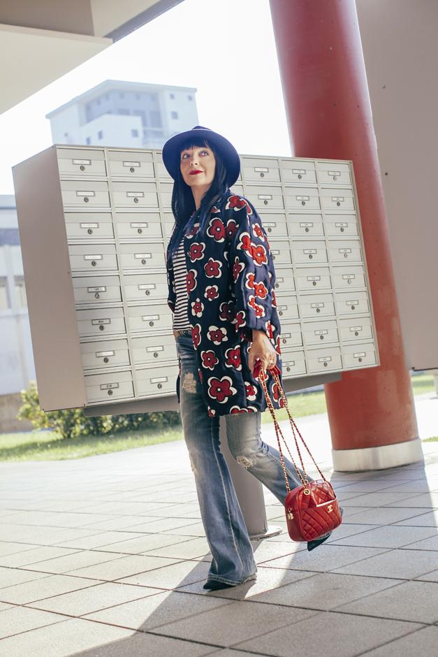 come si indossano i pantaloni a zampa, borsa chanel vintage
