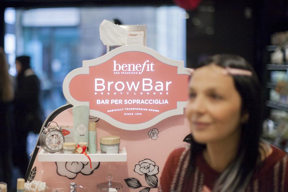 Benefit Brow Bar a Lucca, Sandra Bacci , prima del servizio