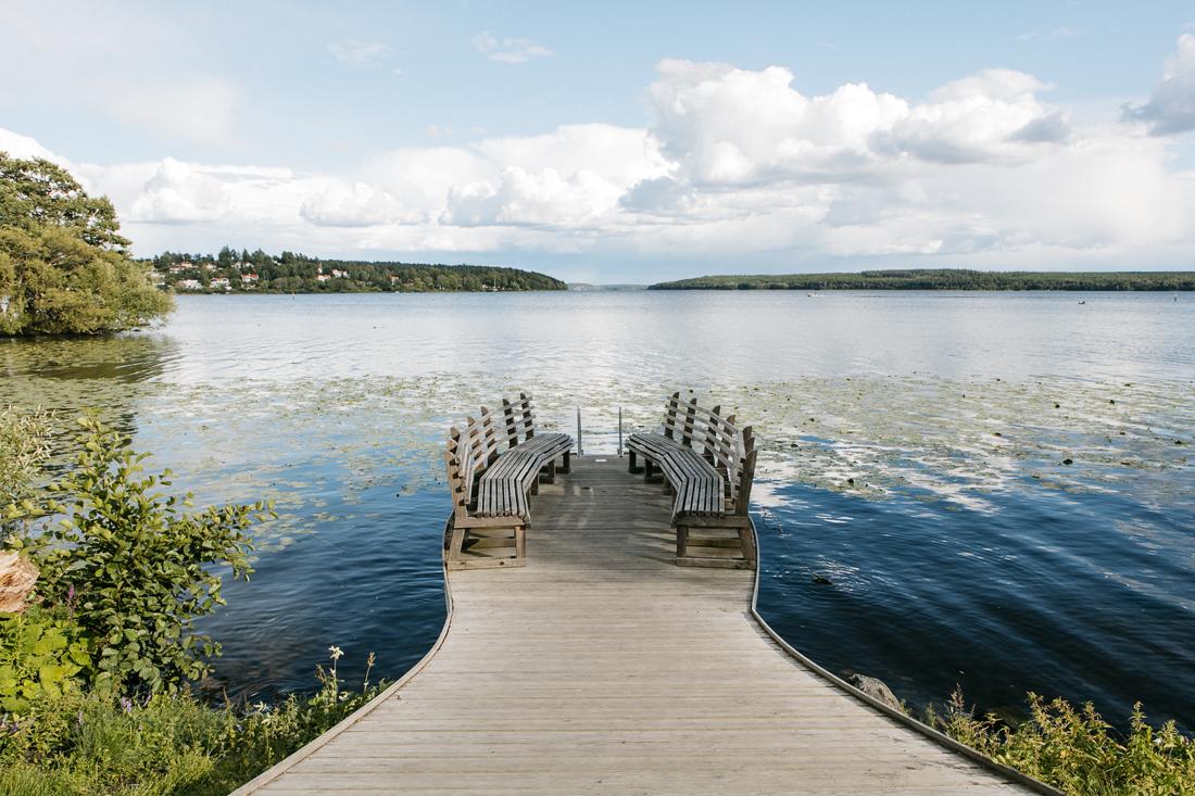 Sigtuna. pausa davanti al lago Mälaren