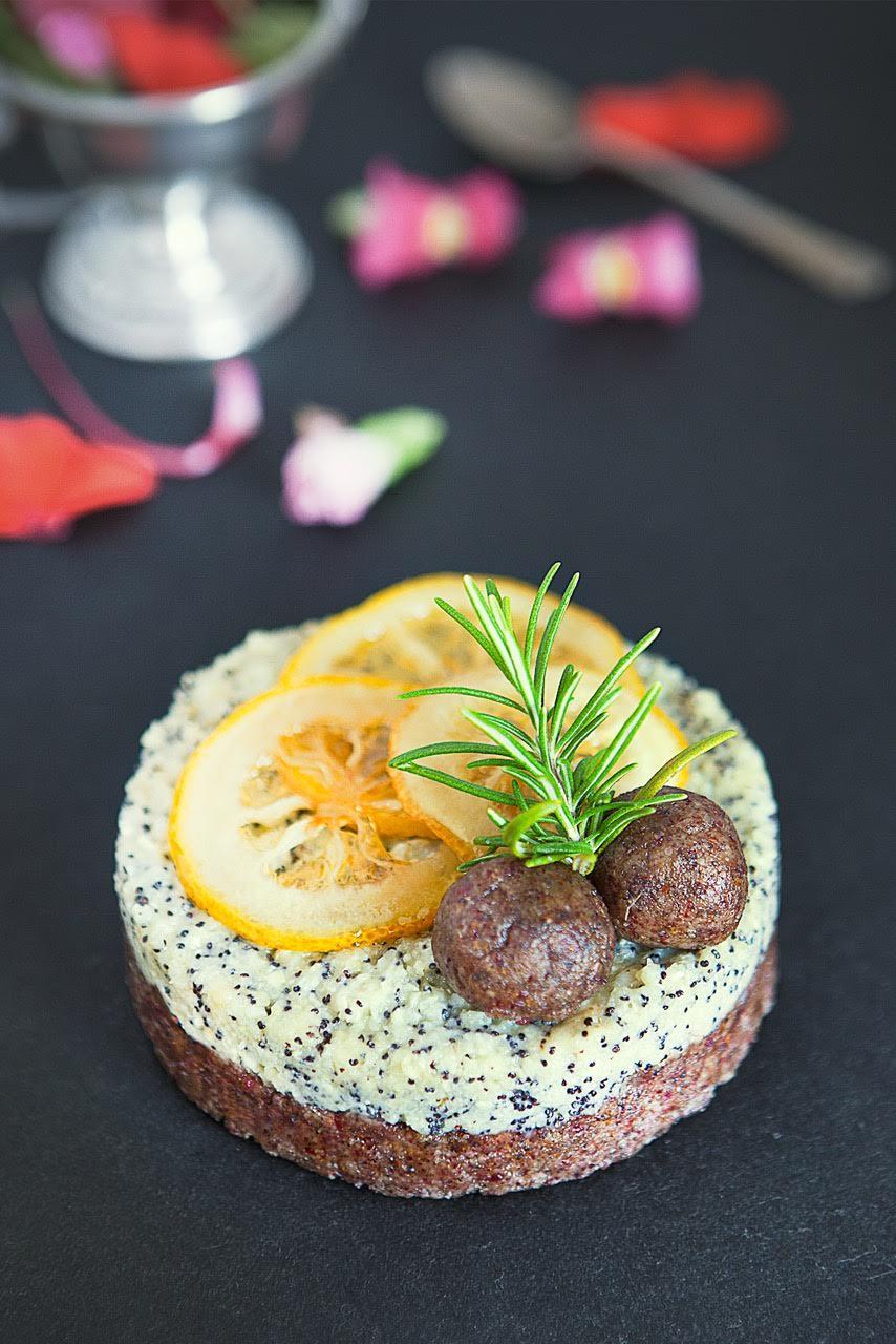 torta-cruda-al-limone-ginger-e-semi-di-chia