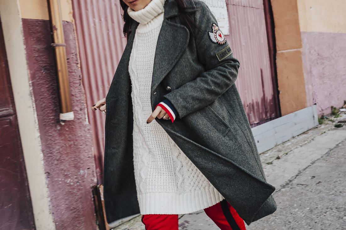 Dettagli look- maglione bianco over