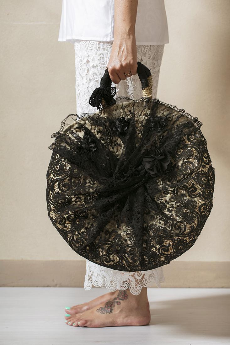 borse di paglia con pizzo nero