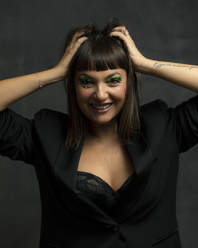 Sandra Bacci , makeup over 50, giacca smoking Elena Mirò